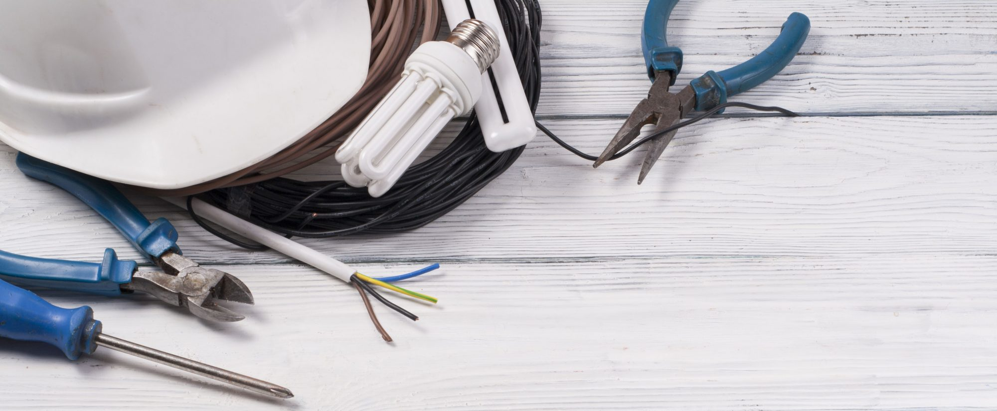 5 Signs You Need to Call an Electrician